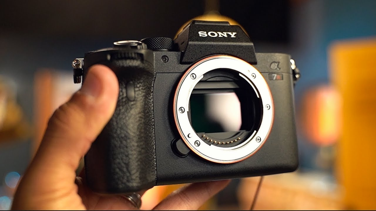 The NEW SONY A7RIV first look!