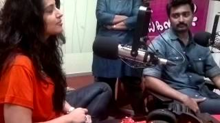 Actress Sneha Gives Proof Of Cooking To Prasanna At Suryan FM (Behind The Scenes)
