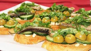 Бутерброды со шпротами оливками и кинзой в новогоднее меню Вкусные бутерброды на новогодний стол