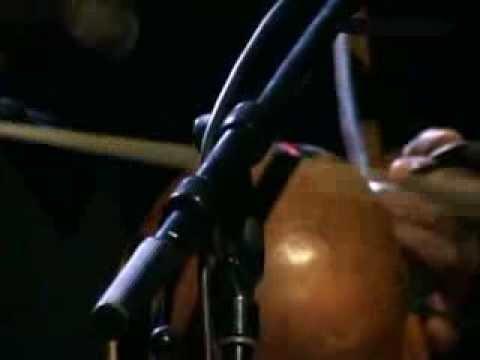 """2013. Naná Vasconcelos. """"O bater do Coração """". Material Difusión 3"""