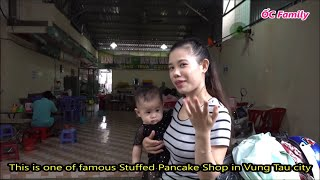 Single Mom Eating Delicious Stuffed Pancakes With Her Cute Baby | ỐC Family
