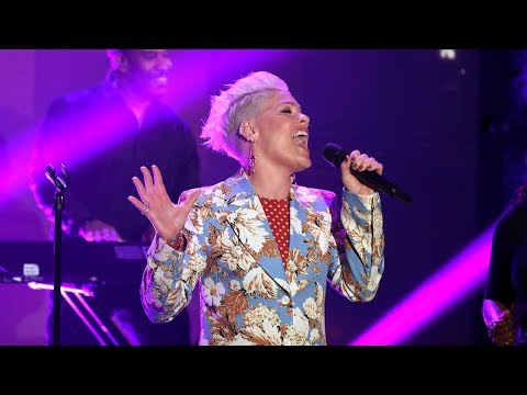 Chris Davis - P!nk Sings 'Walk Me Home' & Shares WHY She Is DONE Posting About Her Kids!