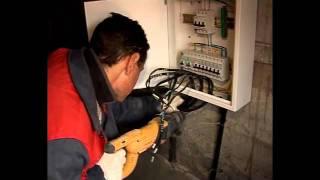 Электрика своими руками. Часть 1(Монтаж силового кабеля. Установка распределительного щита. Разводка кабеля. Соблюдение правил безопасност..., 2011-08-26T07:57:26.000Z)