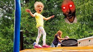 Download ИГРЫ с GRANNY  в Парке ГОРЬКОГО Даня увидел ГРЕННИ Аттракционы для детей Mp3 and Videos