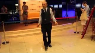 пьяный ленин танцует - с другого угла
