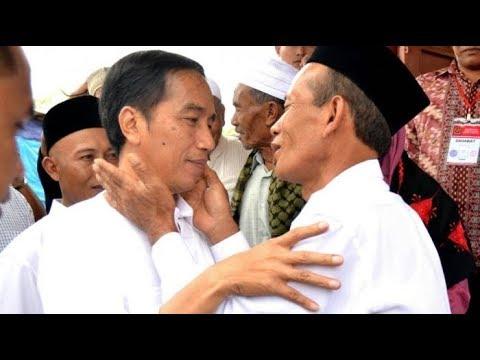 Tangis dan Peluk Jokowi untuk Ayah Angkatnya di Aceh