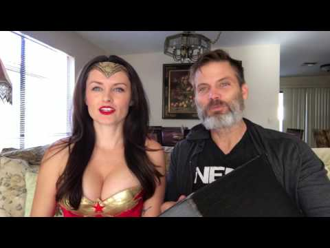LootcrateDX unboxing RICO and Wonder Woman
