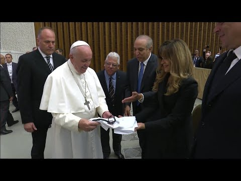 Pope regrets health rights are guaranteed to few and forbidden to many