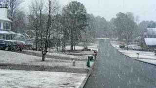 snowing in Conyers GA