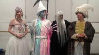 ミュージカル『ドリーミング』東京公演に(2009年)に出演中の俳優...