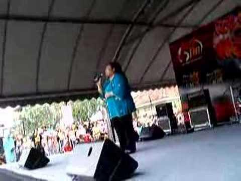 Hot FM Mini Jam: Adibah Noor - Terlalu Istimewa