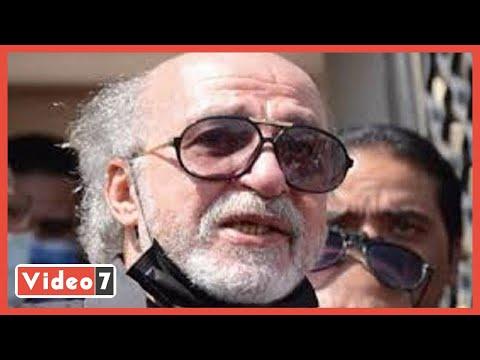 شقيق سمير غانم يغادر قبر الفنان الراحل بعد زيارته في الجمعة الرابعة بعد وفاته  - نشر قبل 3 ساعة