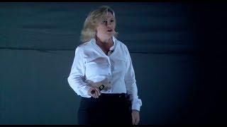 Autoconhecimento Positivo - Psicologia Positiva | Andrea Perez | TEDxIbmec