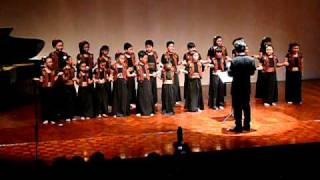 Medley ( Ayo Mama - Bolelebo - Sik Sik Sibatumanikam ) The Indonesia Children Choir