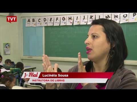 Crianças surdas e ouvintes estudam juntas em Santo André