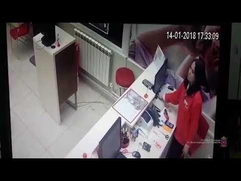 Дерзкое воровство четырех дорогостоящих IPhone в Волгограде попало на видео