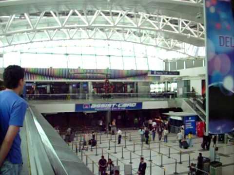 Aeropuerto ezeiza buenos aires argentina 2009 youtube for Puertas de aluminio buenos aires
