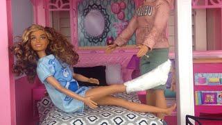 Barbie videos- Barbie breaks her leg - Barbie and ken morning routine- brown barbie