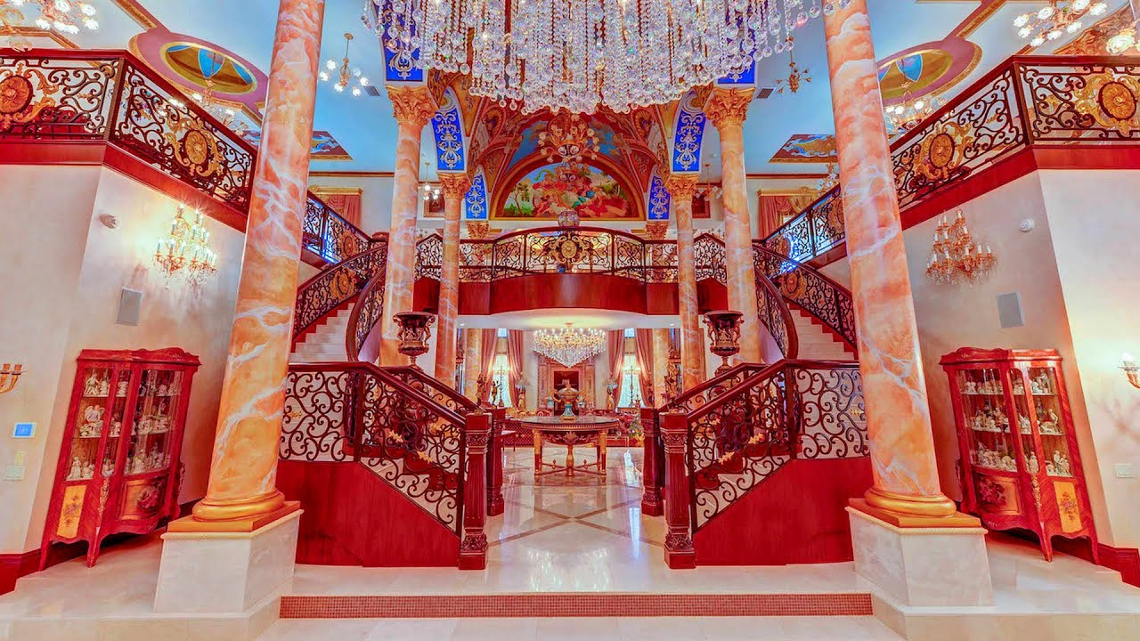 Court of Versailles | Florida Palatial Mansion Inspired by the Palace of Versailles