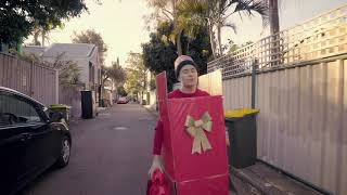 """Alex the Astronaut - """"Christmas In July"""" (Official Video)"""