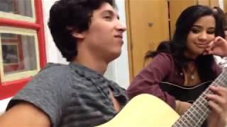 Este chico SORPRENDE a toda su CLASE con su increíble VOZ (...