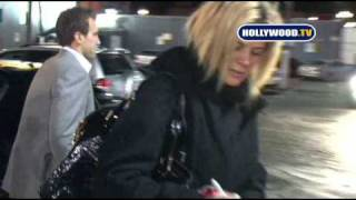 Rachel Hunter Cannot find Her Vehicle Keys in Hollywood.