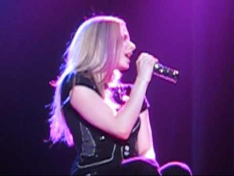 Avril Lavigne Innocence Live Birmingham 2008