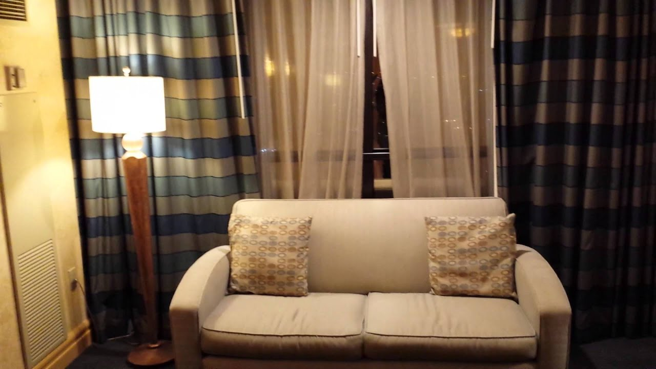 Luxor 2 Bedroom Suite Player Deluxe Suite At Luxor Las Vegas 12 2 15 Youtube