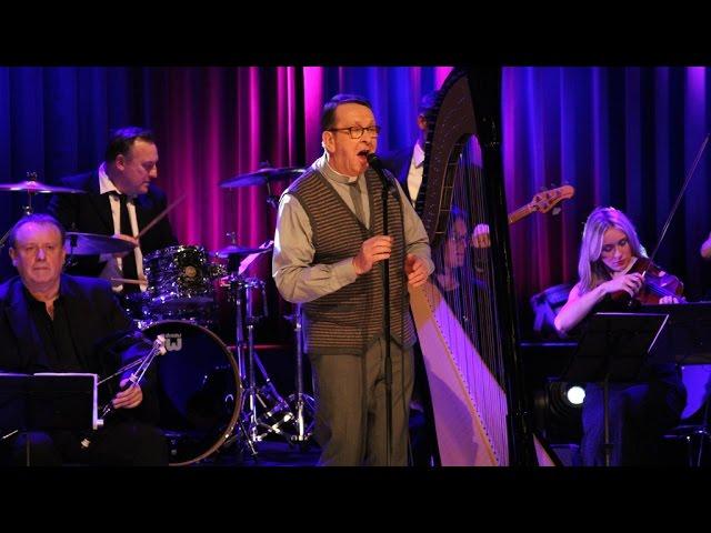 Who Is Ray Kelly Irelands Singing Priest Irishcentralcom