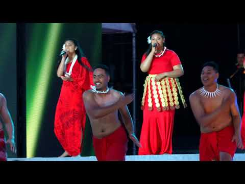 TONE6 - MOANA Medley at Coke Cola Christmas In The Park 2017