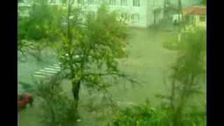 Дождь Сарата 10.09.2013 года(перекресток ул. 50 лет Jктября - ул. Котовского возле больницы, поток воды мощный. Что же в таком случае на..., 2013-09-10T16:03:04.000Z)