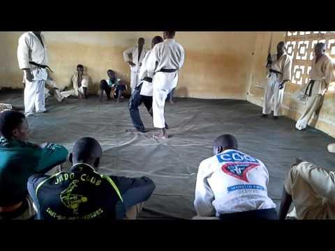 STAGE DE SELF-DEFENSE A DOLISIE (Sud du Congo Brazzaville)