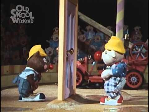 Huxley Pig  Huxley Pig at the Circus  1989 episode