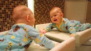 Бебета Се Смеят На Случаен Принцип Неща