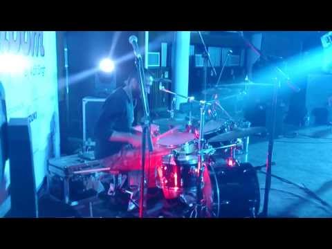VISHAL MEHTA - DRUMS , DILLI DILLI ,NO ONE KILLED JESSICA ( covered by GROOVE ADDA ) IIT DELHI
