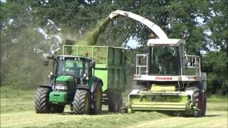 Lifting Grass for Silage with Claas Jaguar 820