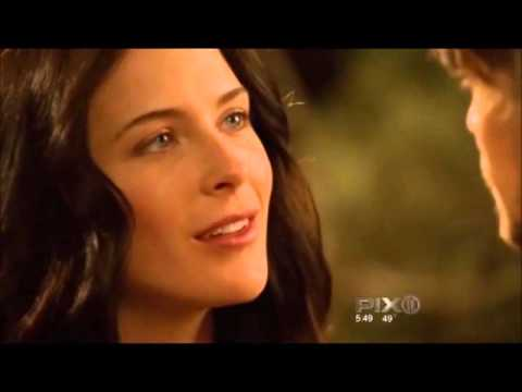 Kahlan and Richard Kiss legend of the Seeker  Bridget Regan, Craig Horner