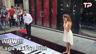 Keren! Bermain Piano Menggunakan Kaki di Jalanan | Lagu WARKOP DKI