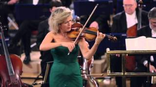 Anne-Sophie Mutter performs Bach