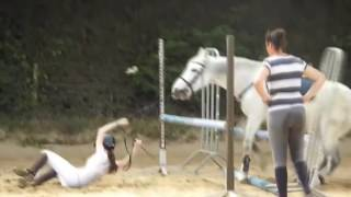 Video Horseback Riding Fails Compilation - January 2017 download MP3, 3GP, MP4, WEBM, AVI, FLV Januari 2018