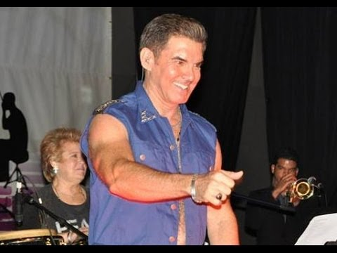 """Peter Fernandez Sings first time ever """"Si Pudiera Volver"""" Live Stage305, Magic City Casino"""