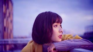 女優・松岡茉優が、槇原敬之の名曲『どんなときも。』 を歌うWEB動画が...