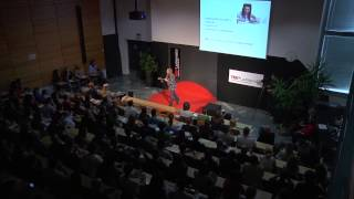 Slovenci smo v povprečju finančno nepismeni: Tina Puncer at TEDxLjubljanaEd
