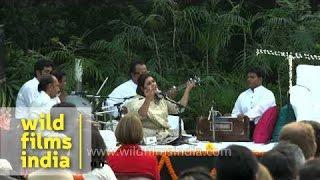 Ragini Rainu sings her wonderful sufi at Delhi