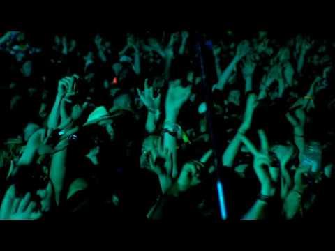 Muse - Glastonbury - Crowd singing House of the Rising Sun