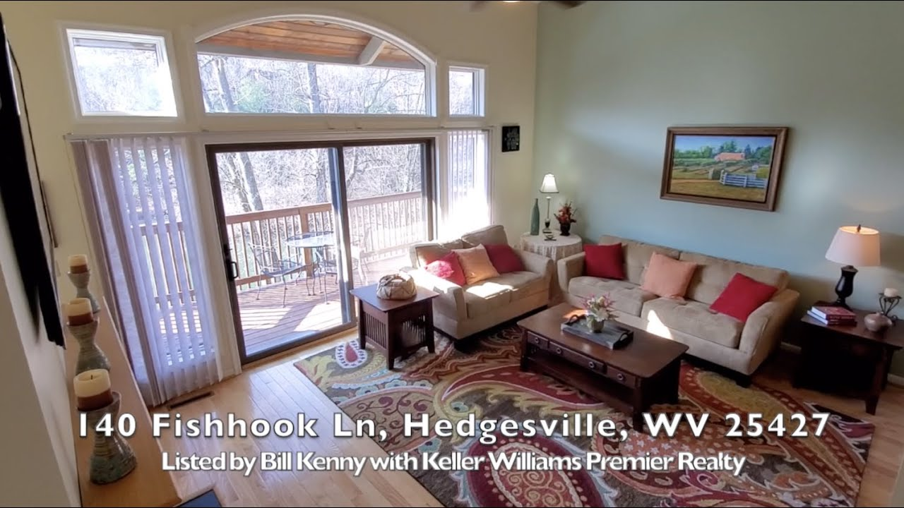 """Gorgeous Townhome in """"The Woods"""" FOR SALE in Hedgesville WV"""