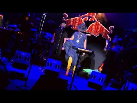 Erykah Badu - On & On / ... & On (Live @ RBMA Madrid 2011)