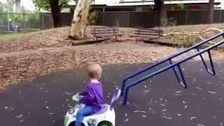 Novaja mashinka na detskoj plowadke