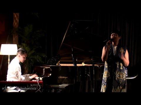 "Sri Hanuraga Trio Ft. Dira Sugandi - Bengawan Solo @ Album Showcase ""Indonesia Vol.1"" [HD]"