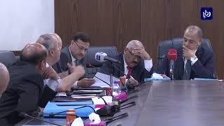 الوزير غرايبة يقترح تأجيل رفعِ نسبةِ ضريبةِ الدخلِ على الاتصالات